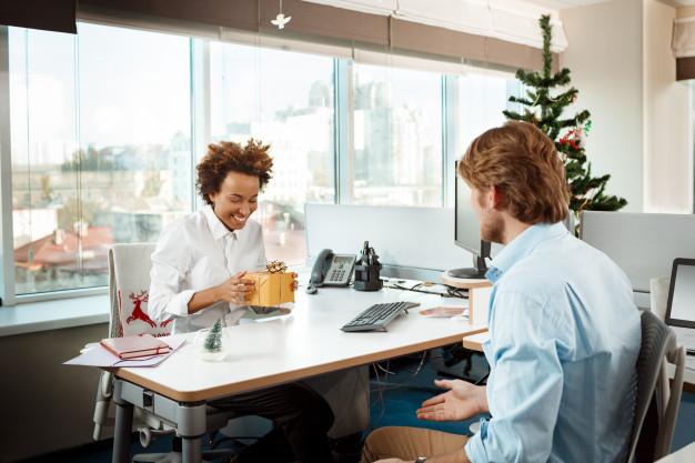 Top 5 món quà tặng ý nghĩa cho dân văn phòng
